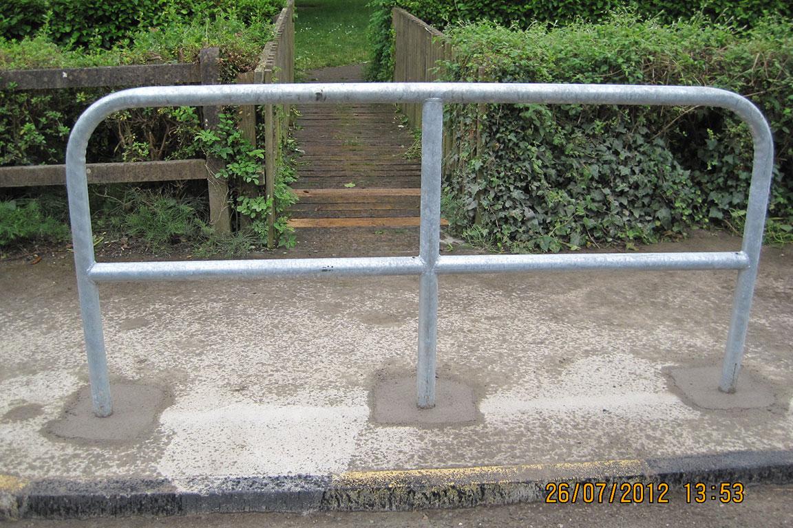 Com - Barriers 17
