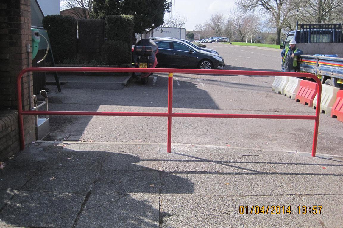 Com - Barriers 16