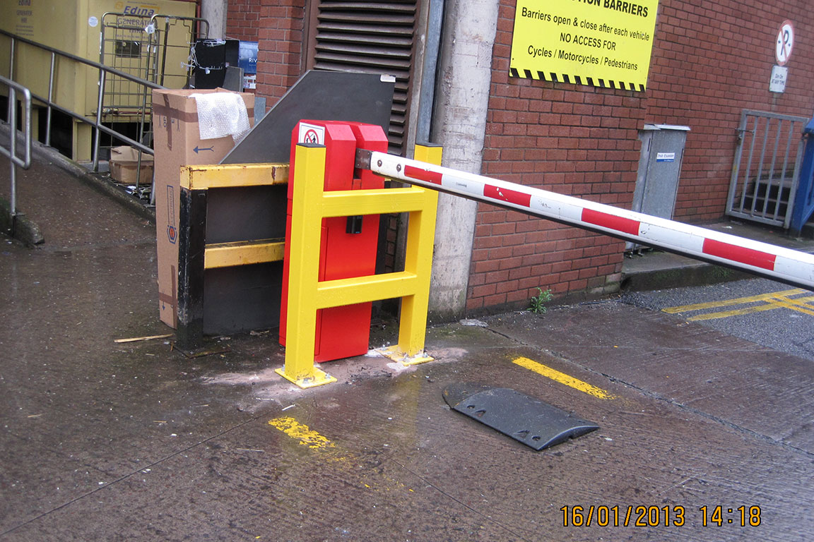 Com - Barriers 19