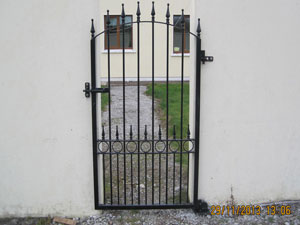 -side-gates---wrought-(15)m2